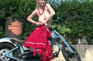 Her bf bike made her highly naughty