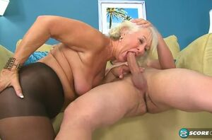 Older housewife plumbed rigid by a..