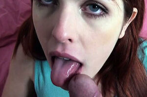 Hottie is sharing her cum-hole kindly..