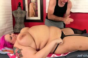 Giant Sara Starlet Gets the Ideal..