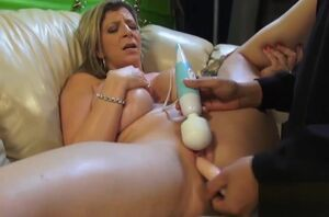 Sarah Jay has her raw cooter plugged