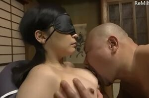 Asian hubby lets a unusual fellow..