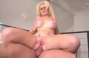 Alexis Ford gets her huge bum plowed