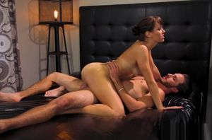 Lusty masseur Alana Cruise gets romped..