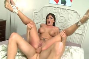 Jaw-dropping buxom Claire Dames in..