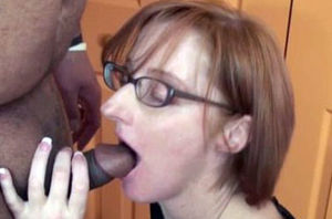 housewife Layla Redd is fellating a..
