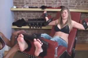Can't Stand Having Her Soles Rubbed