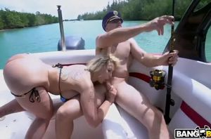 Doing ass fucking in a crazy boat rail