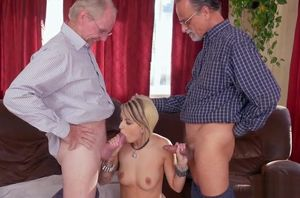Presley Carter Gives Deep throat And..