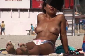 Hidden cam Films Big-titted..