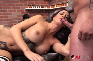 Vanessa Skye gargles a meatpipe after..
