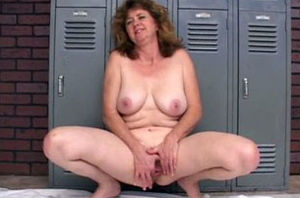 Older wide in the locker apartment..
