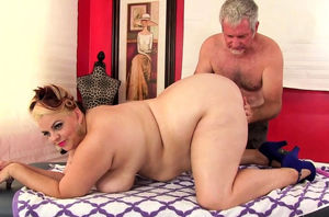 Thick Huge-titted Bella Receives..
