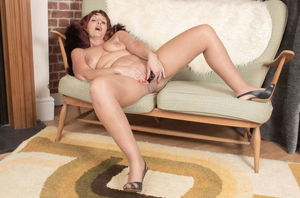 Mature huge-titted sexpot jerks fake..