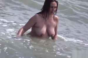 Mature Bare Beach Spycam Cougar..