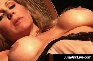 Red-hot Huge-chested Cougar Julia Ann..